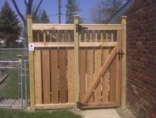 Cedar Brookstone with 2x2 Spindles Semi-Privacy