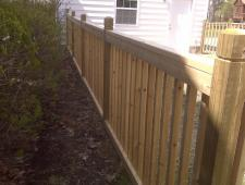 Cedar Colonial Fence with 2x2 Spindles
